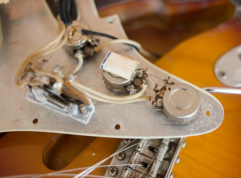 1960 Fender Stratocaster clean original wiring