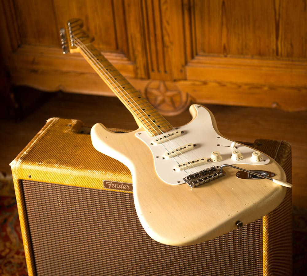 1957_Blonde_Stratocaster-low power tweed twin