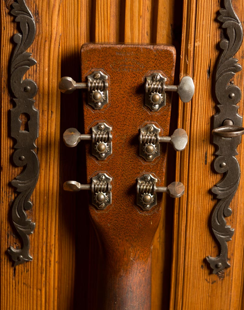 1933 om-18 Martin original vintage guitar headstock